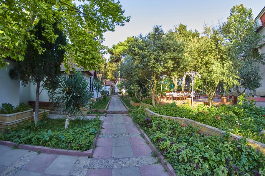 Qızıl Qaya Saray