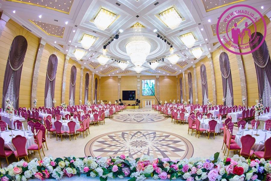 Xəzinə Palace